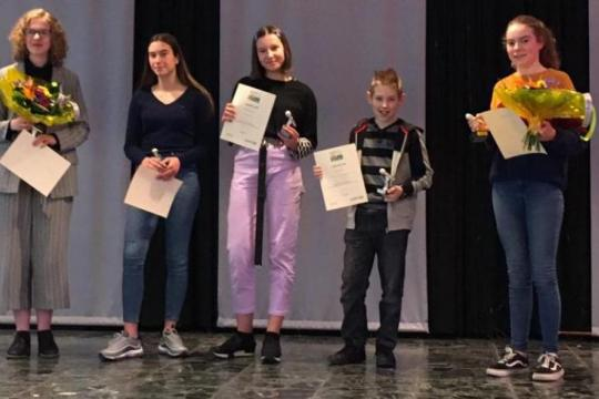 Margriet van der Kaaij winnaar regionale ronde Junior Speaking Contest